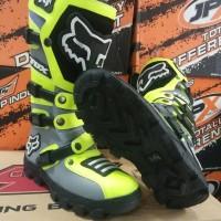 sepatu cross lokal warna hijau abu F0