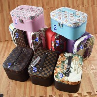 Tempat Make up Cantik / Tas Kosmetik / Beautycase / Cosmetic Case - ACAK