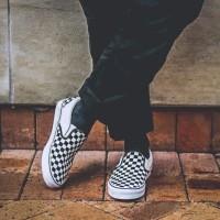 Sepatu Vans Checker Board Black White - Premium