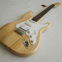 Gitar Listrik Fender Stratocaster Natural atau Wood color murah