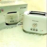 Pemanggang Roti Otomatis Electrolux