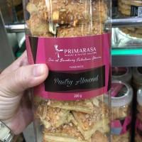 Kue Pastry Almond Primarasa