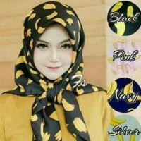 Jilbab Segi Empat Motif Banana