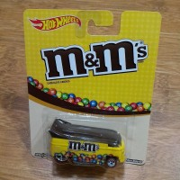 Hot Wheels Car Culture Candy Series Volkswagen VW Dragbus M&M Drag Bus
