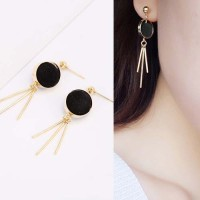 Anting Korea Round PomPom Earrings OKT090