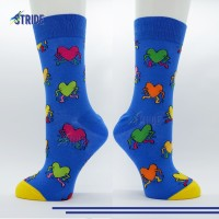 Kaos Kaki Sneakers motif love struck