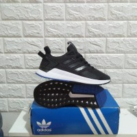 Sepatu Sneakers Pria Adidas Questar Ride Black Sole Blue Original