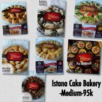 Kue Istana Medium Cookies Lebaran (Melinjo Almond, Pastry Keju, dll)