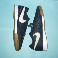Sepatu Futsal Nike Tiempo Legend 7 Academy R10 IC (Black/Gold)