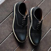 Sepatu Pria Casual Kulit Oxford Hitam Formal Klasik /Cowok Ori