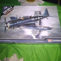 pesawat usn Sbd-5 dive bomber battle of midway model kit 1/48