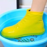Cover Shoes Karet Pelindung Sepatu Anti Air Sarung Sepatu Waterproof S