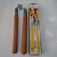 Double Stick kayu ( Ruyung, Nunchaku ) untuk Latihan Beladiri