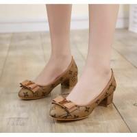 Hot Sale Big Heels Sepatu Sandal Pesta pita Murah 2 warna UD04W hak