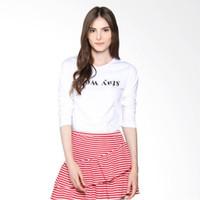 JCLOTHES Stay Weird Kaos Lengan Panjang Wanita - Putih