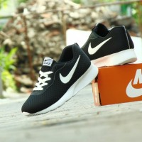 Sepatu Sport Casual Olahraga Pria Nike Running - Hitam Putih - TJ 02