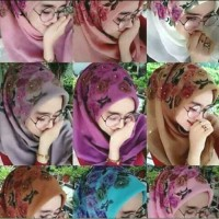 Hijab Jilbab Kerudung Segi empat Bella Square motif bunga