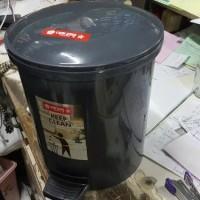Baru Tempat kotak sampah injak bundar dustbin step 5 liter lion star