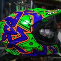 Helm Cross JPX motif Grafitty Warna Glossy Hijau