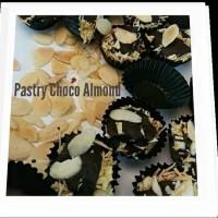 Kue Pastry Choco Almond Wan's