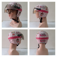 helm anak kecil karakter L.O.L bisa 1-4 tahun lengkap dengan kaca