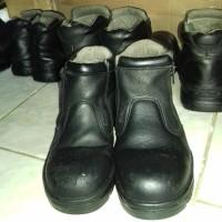 sepatu safety KENT