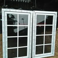 jendela ornamen dan pintu lipat