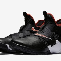 Sepatu Basket - Nike Lebron Soldier XII SFG Bred - PRM