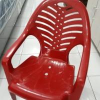 Kursi plastik taman wrn merah (napoly)