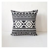 Sarung Bantal Kursi 45x45 - Monochrome Ethnic