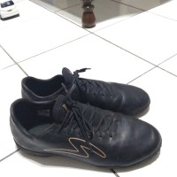 sepatu futsal specs iluzion black gold. ukuran 42, minus box