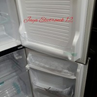 AKSESORIS KULKAS / Kulkas 2 Pintu Sanyo Aqua D240 No Frost