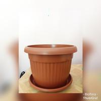 Pot Plastik Claris 5830 merah bata plus tatakan