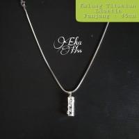 kalung titanium liontin xk04