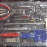 Alat pemotong rantai jam tangan 1 set