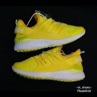Sepatu Sneakers Wanita Adidas Tubular Yellow