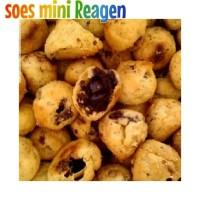 Snack Soes Coklat Reagen 500 gr Cemilan Soes Kering Cokelat Lumer