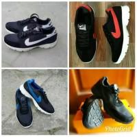 Sepatu Kets Nike Pria Hitam 39-43 TERMURAH