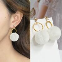 Anting Korea Round PomPom Earrings BE4027