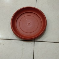 Tatakan pot plastik 20 cm