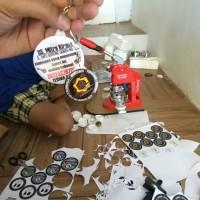 gantungan kunci / pin sablon satuan (costum pin)