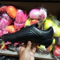 Sepatu bola adidas predator komponen original terbaru olahraga