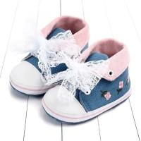 Sepatu Bayi Perempuan Prewalker Bordir Bunga Biru