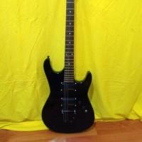 gitar listrik melodi fender black