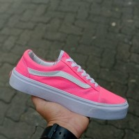 Fashion Wanita / Sepatu Sneaker / Vans Old School Women / Pink