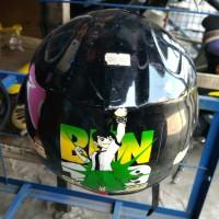 Helm Anak Karakter