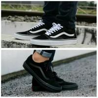 sepatu Vans black white dan black black