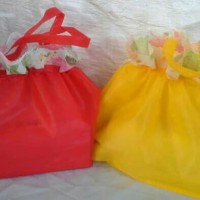 MarMon, murah tas serut kain tipis 18x18 souvenir wedding