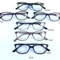 kacamata pria.