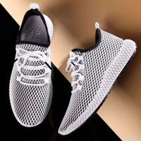 Sepatu sneakers Pria Dane and Dine S0110 Hitam putih